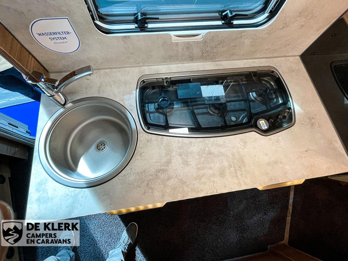 Knaus Sport 500 KD keuken boven