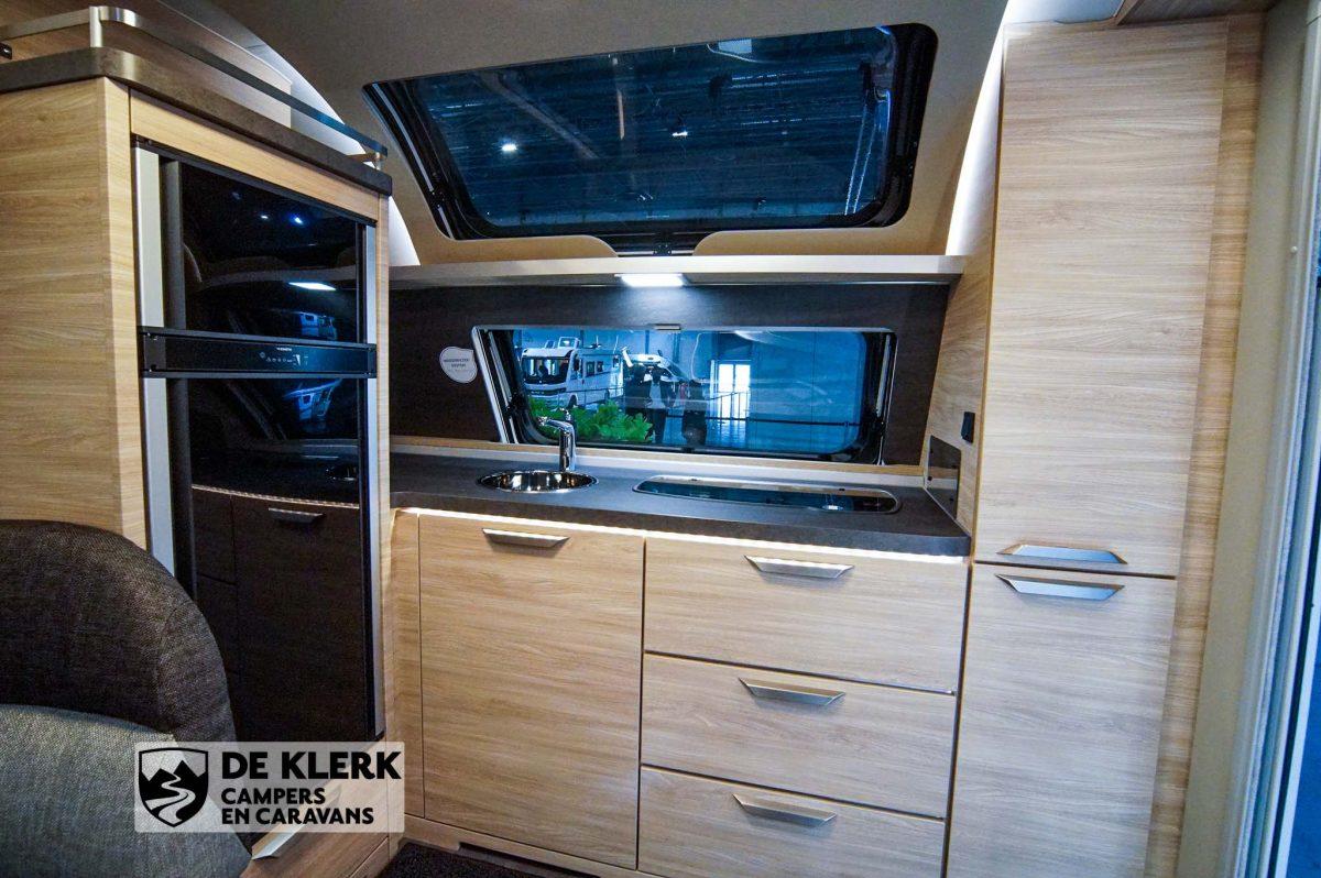 Knaus sudwind 650 PXB keuken