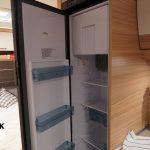 de 142 liter koelkast in de Camper 530 FSK