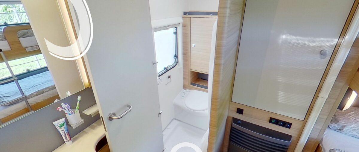 Dethleffs camper 540 QMK toilet