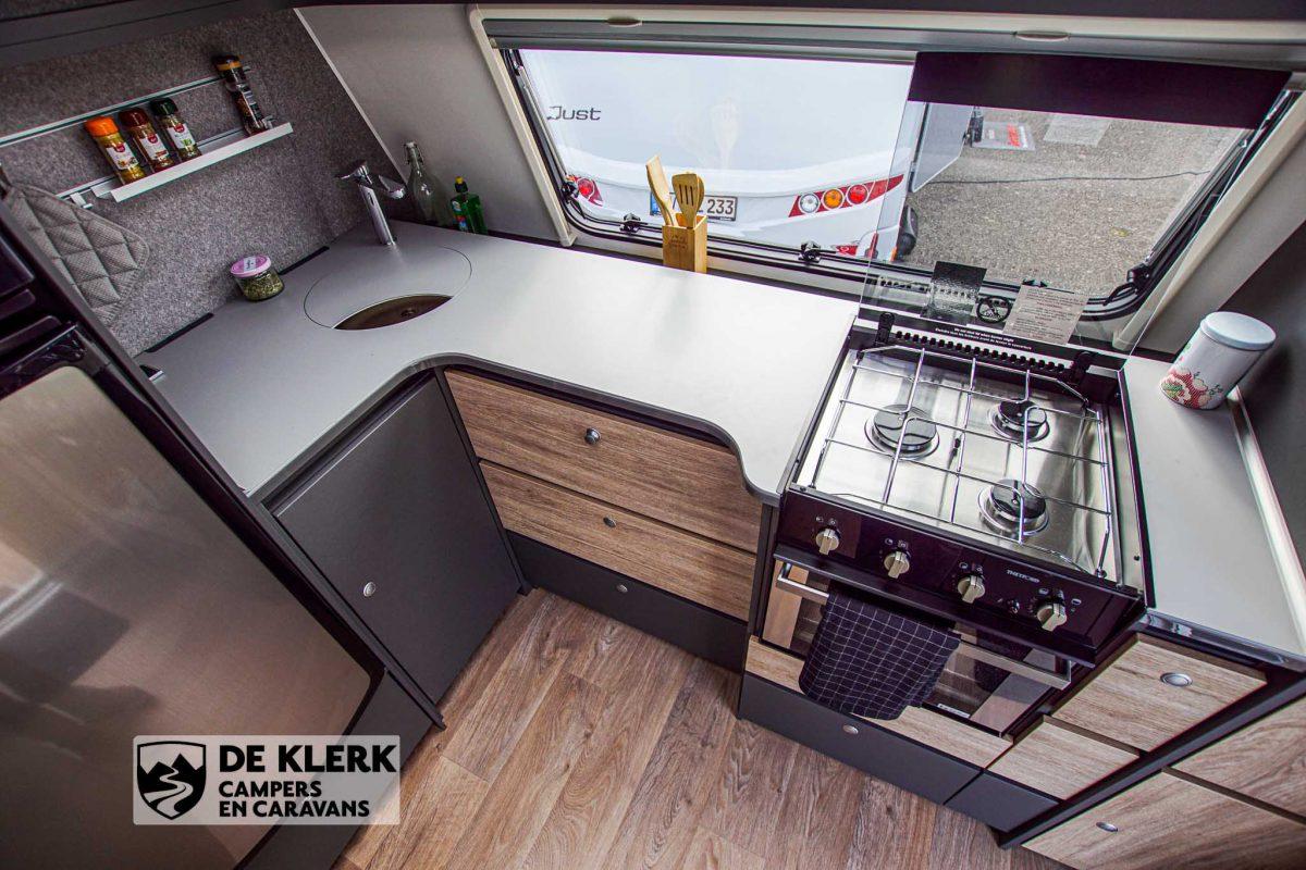 Dethleffs Beduin Scandinavia 740 BFK keukenblok