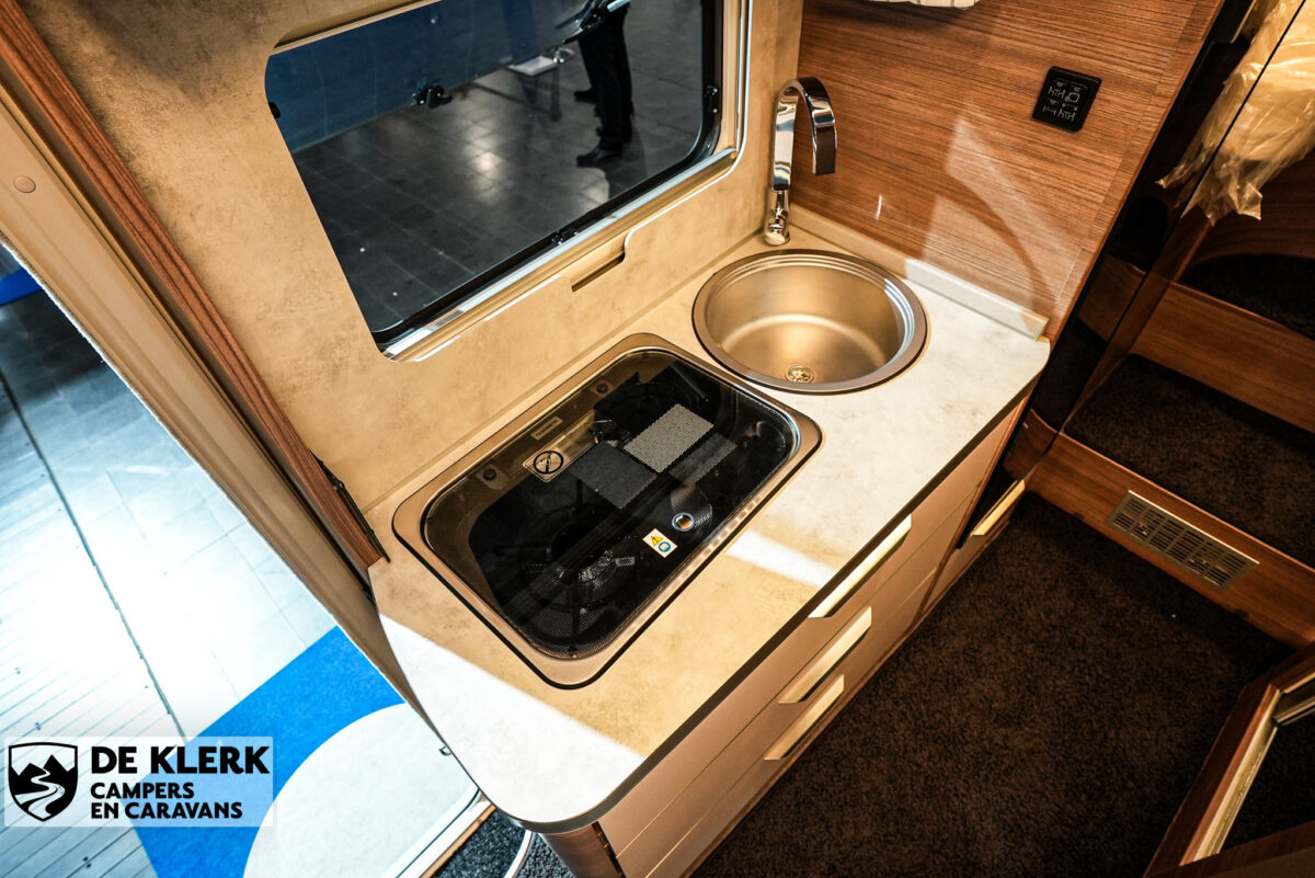 Knaus Van Ti MAN Vansation 640 MEG keukenblad